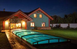Prodlužte si koupací sezónu o několik měsíců díky zastřešení bazénu