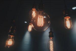 Nový trend vosvětlení? Stačí jen žárovky!
