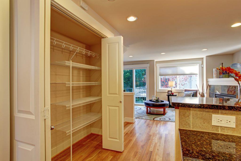 Vytvořte si úložné prostory ve zdech